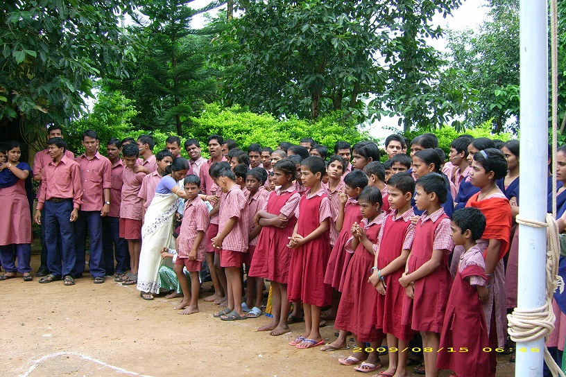 Kinder in Chetana Campus